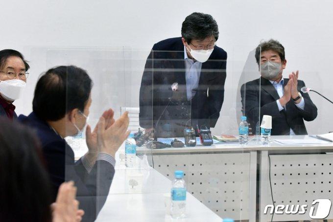 (서울=뉴스1) 국회사진취재단 = 유승민 국민의힘 전 의원이 8일 서울 마포구 현대빌딩에서 열린 국민의힘 마포포럼에서 발언하고 있다. 2021.4.8/뉴스1