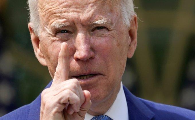 조 바이든 미국 대통령이 8일(현지시간) 백악관 로즈가든에서 총기폭력 규제에 대한 행정조치를 발표하고 있다. REUTERS/Kevin Lamarque