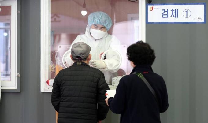 서울 오후 9시까지 207명 확진…나흘째 200명대
