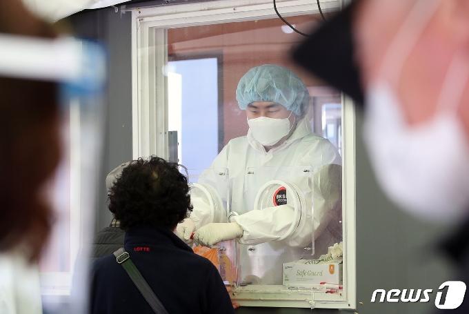 인천 13명 추가 확진… 집단감염지 확산 2명 포함