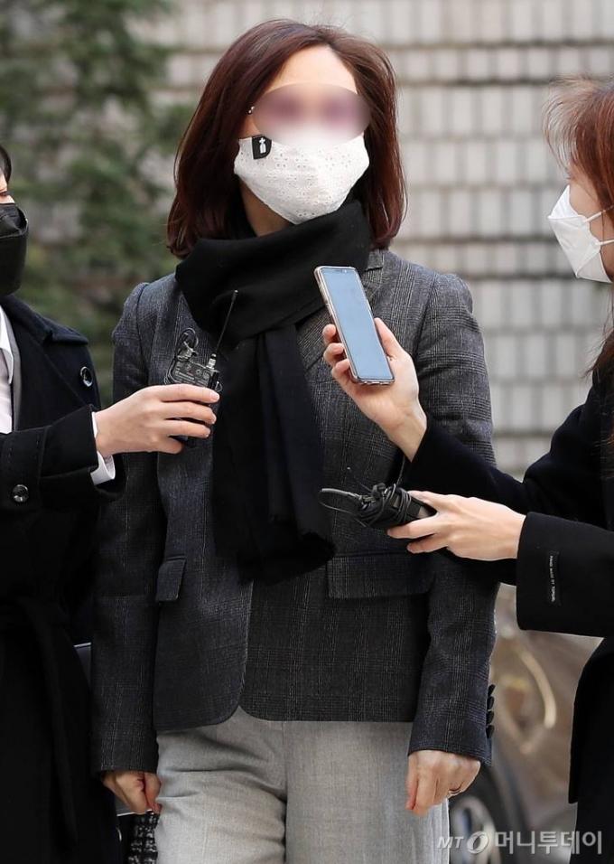 입시비리·사모펀드 혐의 정경심, 내일 첫 항소심 공판