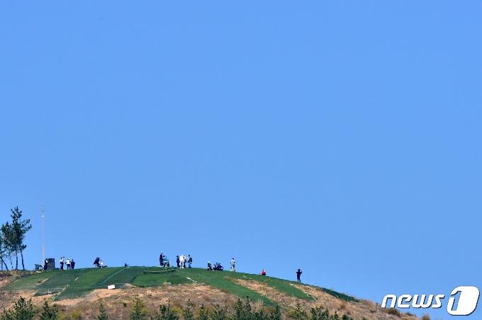 [화보]포항 푸른 봄 하늘과 바다에서 펼쳐진 묘기 대행진