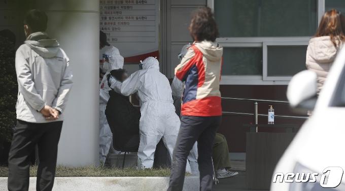 [사진] 울산 울주군 한 자동차 부품업체서 15명 집단 감염