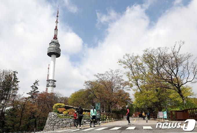 [사진] 구름 걷히는 서울하늘