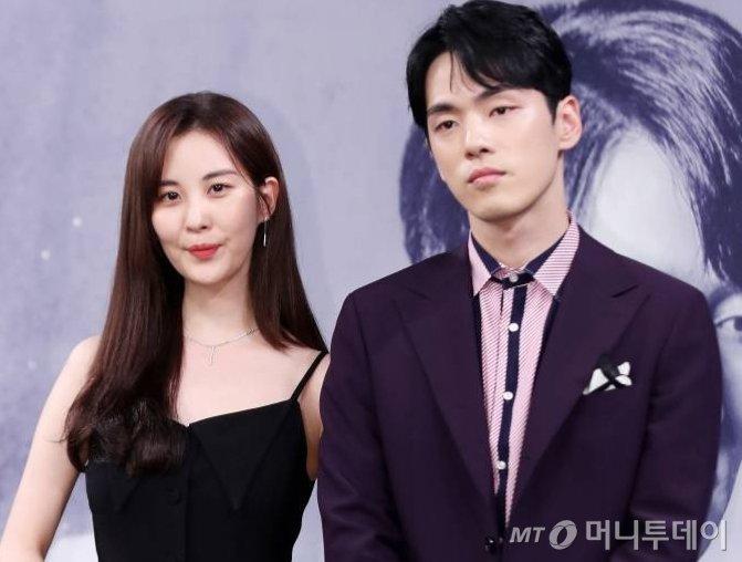 2018년 7월 MBC 드라마 '시간' 제작발표회 당시 가수 겸 배우 서현, 배우 김정현의 모습/사진=머니투데이 DB