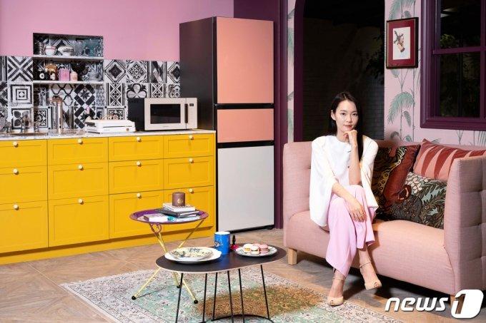 삼성전자가 지난달 소비자 라이프스타일과 취향을 맞춰 주는 '비스포크' 콘셉트를 생활가전 제품 전체로 확대한 '비스포크 홈(BESPOKE HOME)'을 공개했다. /사진=삼성전자, 뉴스1