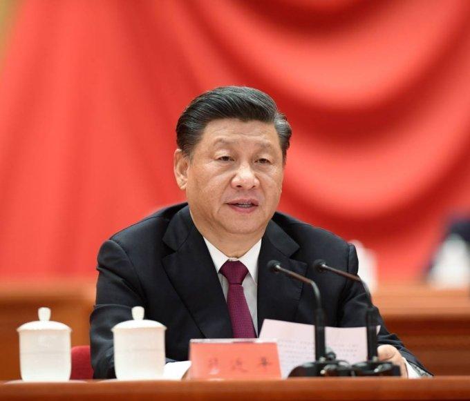 시진핑 중국 국가주석이 25일 중국 베이징 인민대회당에서 열린 '전국 탈빈곤 총결 표창대회'에 참석해 연설하고 있다. 2021.02.26./사진=[베이징=신화/뉴시스]