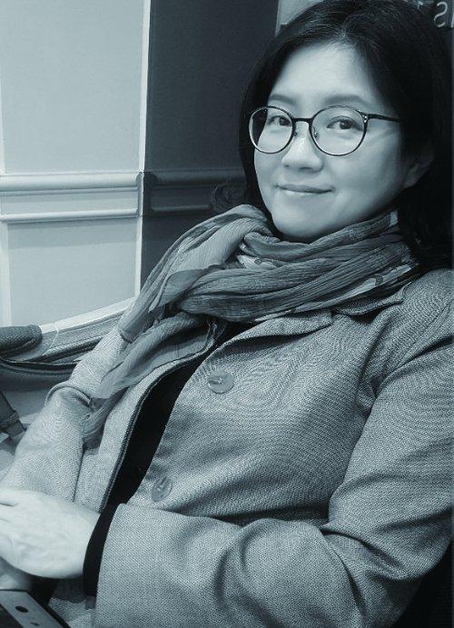 김현정 작가