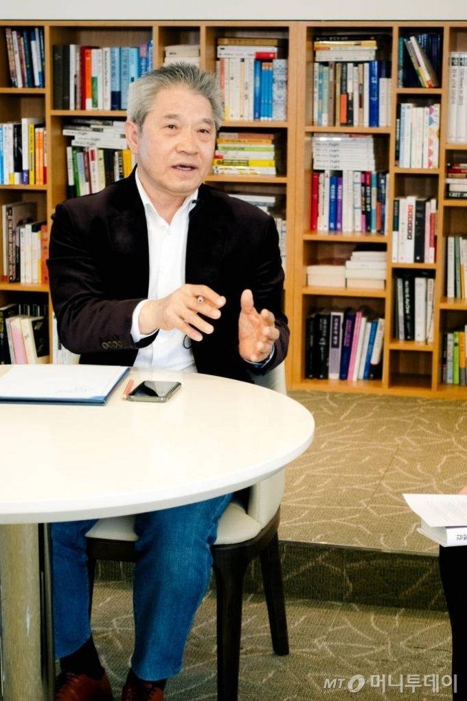 강방천 에셋플러스자산운용 회장 인터뷰 /사진=이주아 PD