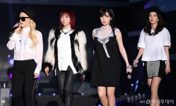2014년 '제3회 가온차트 K-POP 어워드'에 참석한 그룹 투애니원 /사진=이기범 기자