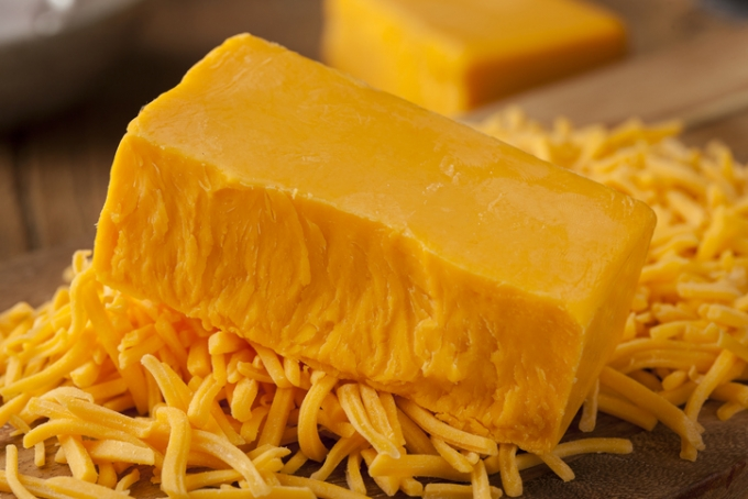 """25년간 치즈 7톤 먹은 英 남성… """"매주 6kg, 총 2만 칼로리 이상"""""""