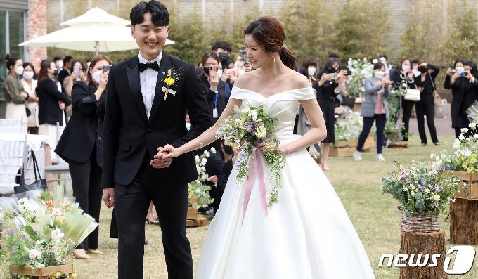 [사진] 롯데百 대구점, 프라이빗 스몰 웨딩 시연