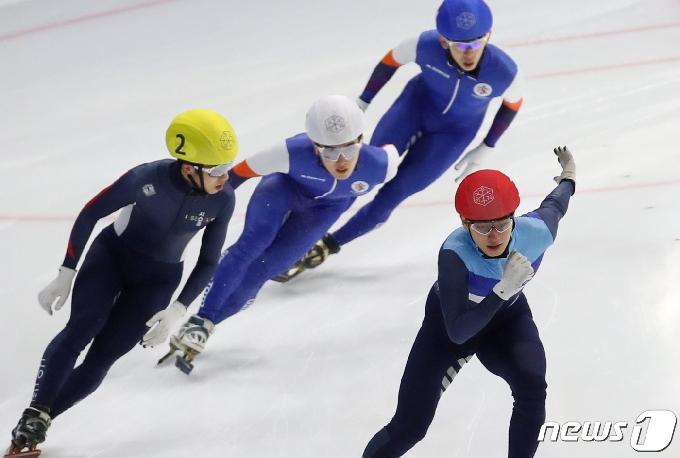 [사진] 김다겸, 男 500m 결승 1위