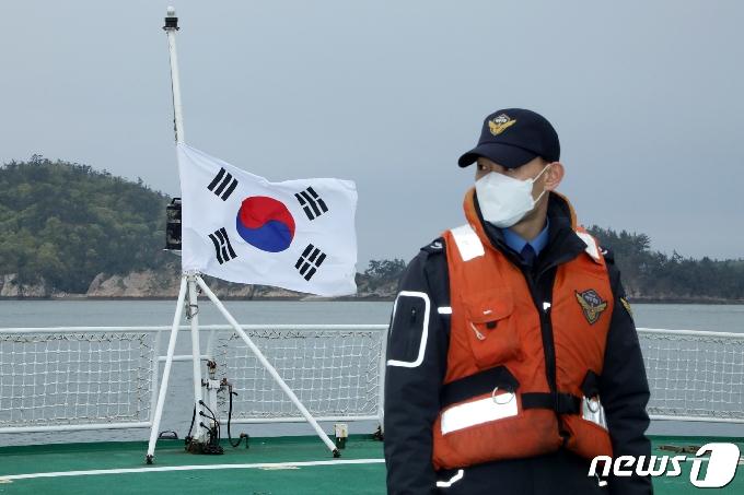 [사진] 사고 해역으로 나서는 3015함