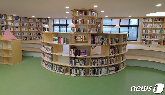 한국교원대부설고 도서관·로비, 복합 공간 탈바꿈