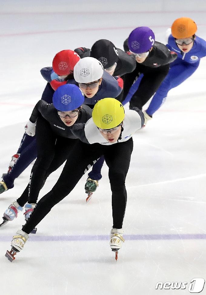 [사진] 김아랑, 여자 3000m 1위