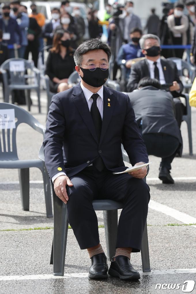 [사진] 세월호 기억식 참석한 윤호중 원내대표
