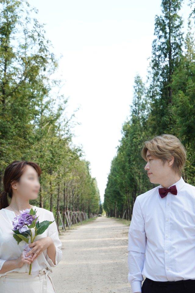 가수 조문근(오른쪽)과 아내 A씨 /사진제공=롤링컬쳐홀