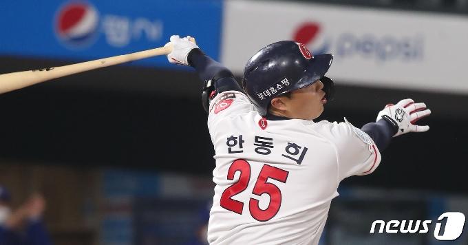 [사진] 롯데 한동희 '1타점 적시타'