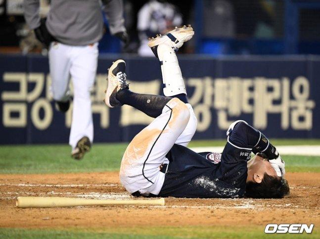박세혁, 경기 중 야구공 안면 강타…오른쪽 눈·광대뼈 CT 결과는?