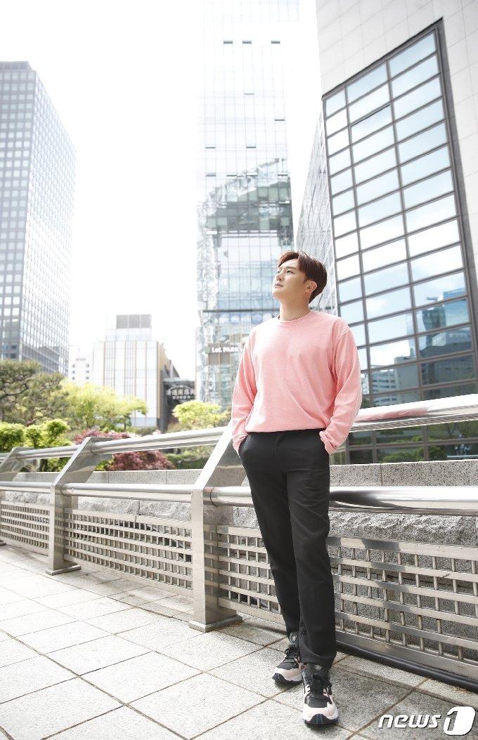 [사진] 이도진 '분위기 있는 도시남자'