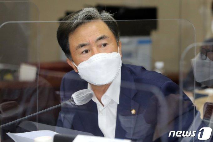 김기현 의원(사진 위쪽)과 김태흠 의원/사진=뉴스1