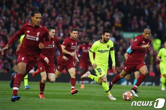 UCL에서나 만나던 바르셀로나와 리버풀이 한 리그에서 다툰다.© AFP=뉴스1