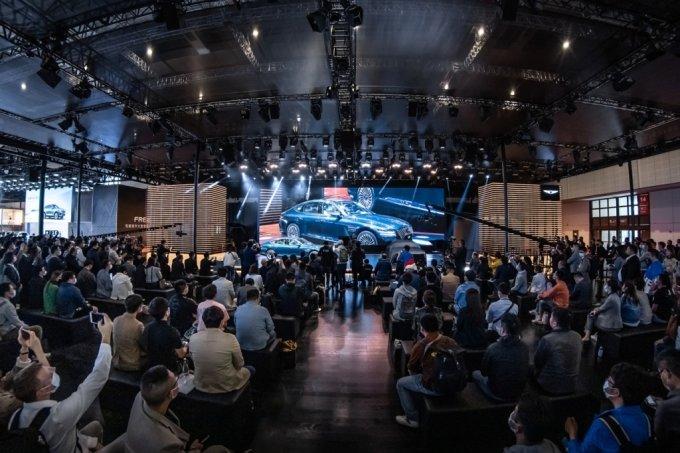 '2021 상하이 국제모터쇼'에서 세계 최초로 공개된 'G80 전동화 모델'/사진제공=제네시스 브랜드