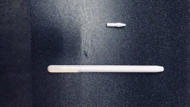 3세대 애플 펜슬로 추정되는 제품 모습 /사진=폰아레나