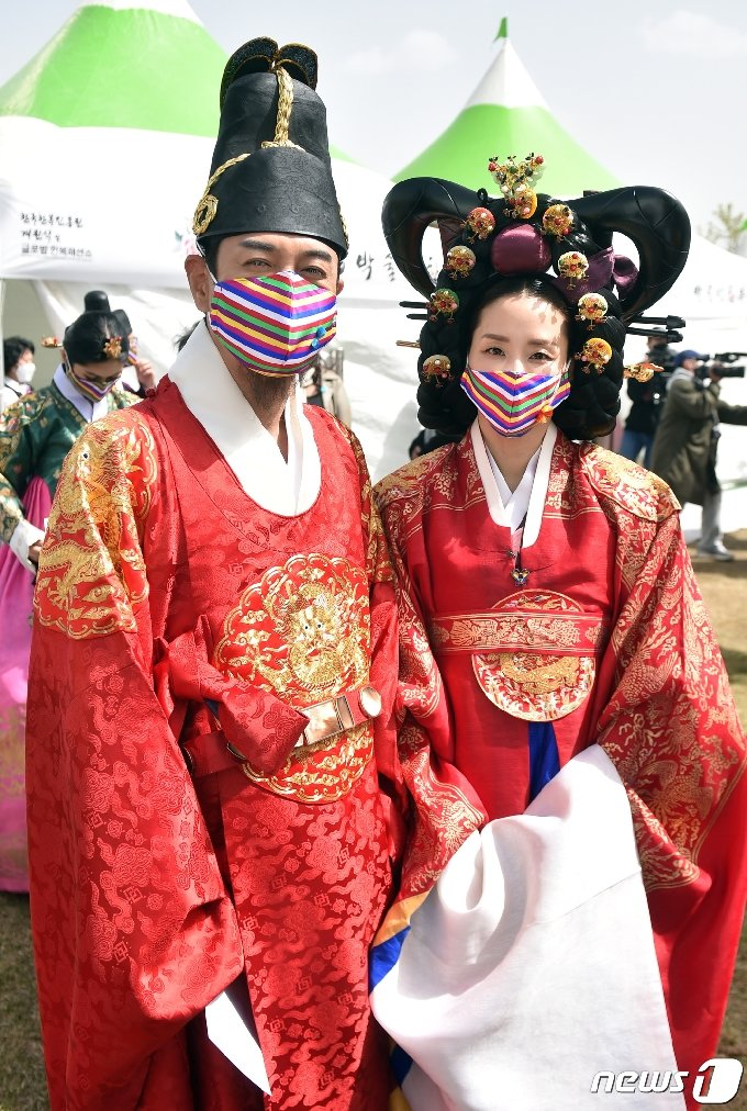 [사진] 김대희-지경선, 왕과 왕비