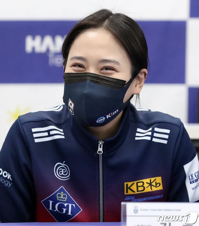[사진] 팀킴 김초희 '깜찍한 눈웃음'