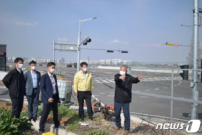장승재 도의원 '안전 위협' 도로·교량 현장점검