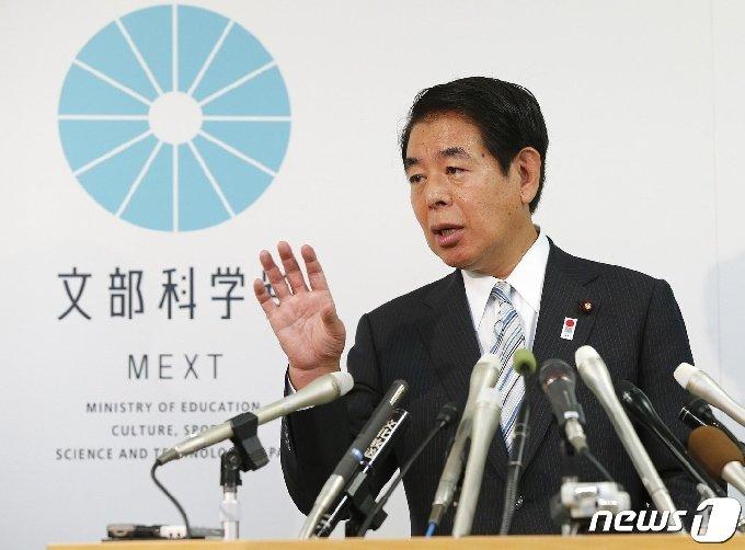 시모무라 하쿠분 자민당 정무조사회장 <자료사진> © AFP=뉴스1