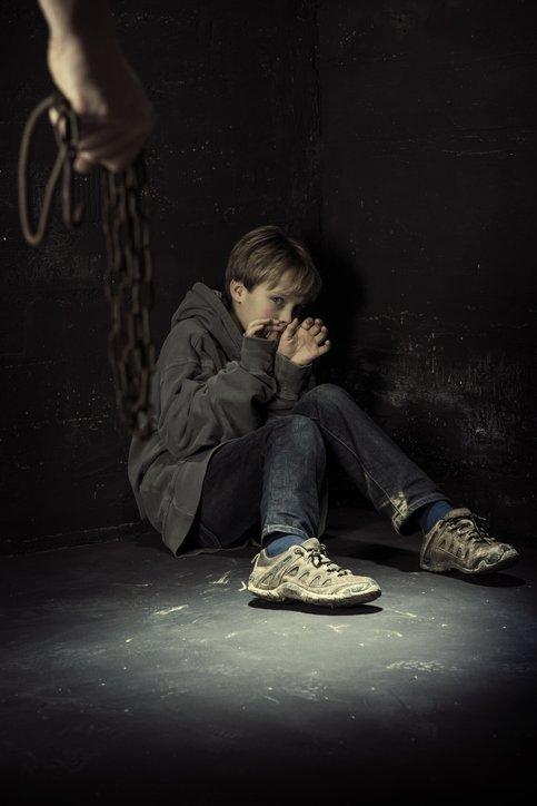 영국에서 간식으로 12세 소년을 유인해 성추행한 30대 여성이 징역 10년형을 선고받았다. /사진=게티이미지뱅크