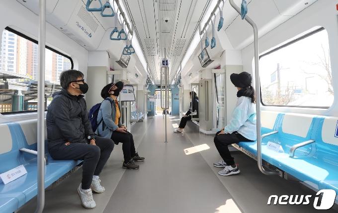 [사진] GTX-A 열차는 이렇게 생겼구나