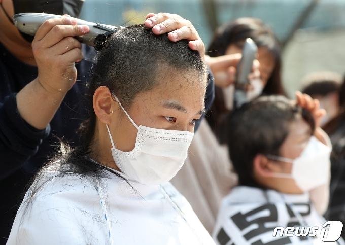[사진] 일본 원전 오염수 방류 규탄 '집단 삭발'