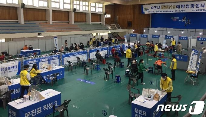 강원 신규 확진 14명…강릉 등 8개 시?군서 동시다발 발생(종합)