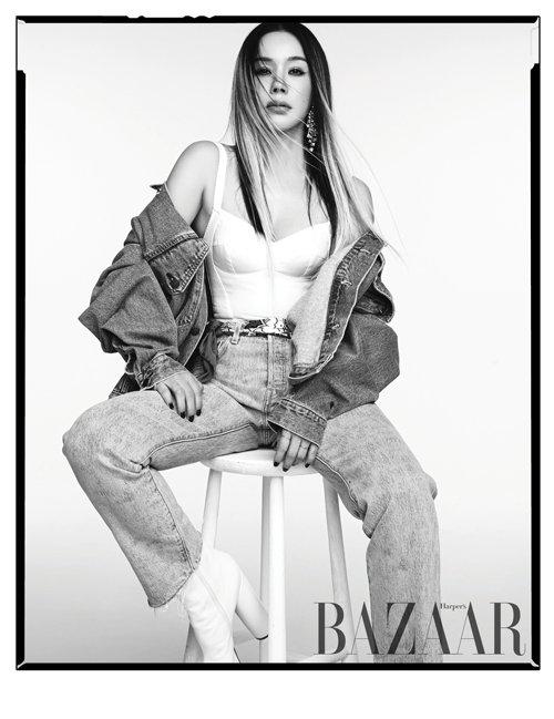 가수 엄정화/사진제공=하퍼스 바자 코리아 Harper's BAZAAR