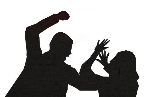 아내 폭행한 뒤 마당에 방치해 숨지게 한 80대 징역 8년