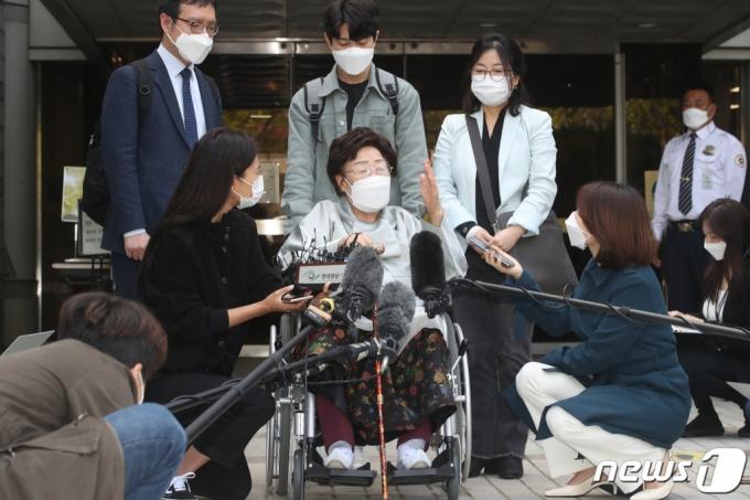 日 정부 상대 위안부 소송, 1차 승소→2차 패소 이유는?