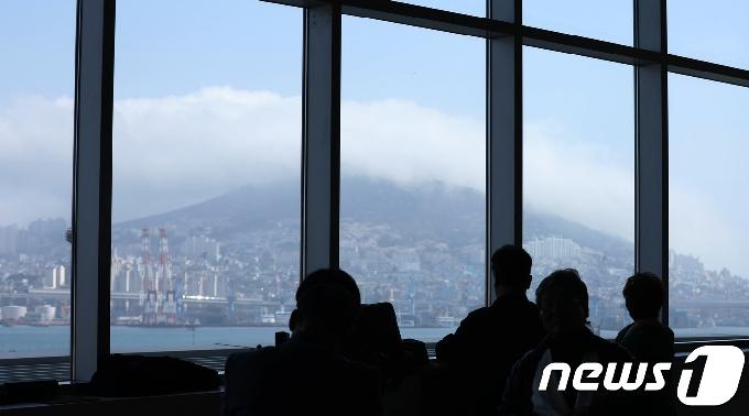 [오늘의 날씨] 부산·경남(22일, 목)…구름 많고 대기 건조