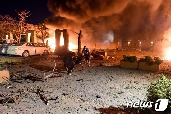 中대사, 파키스탄 폭탄 테러 호텔에 있었다…현장엔 없어 목숨 구해(상보)