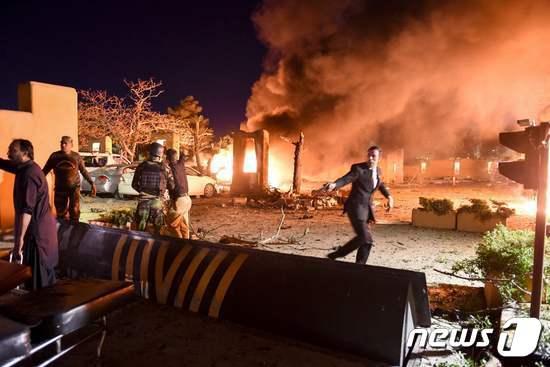 中 대사 초청 파키스탄 고급 호텔서 차량 폭탄 테러(상보)