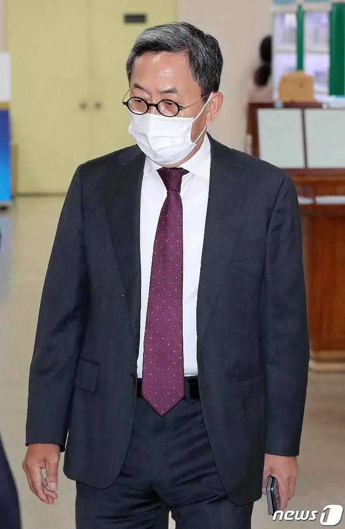 [사진] 법정 향하는 김종중 전 삼성미래전략실 팀장