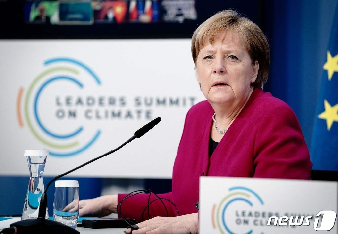 [사진] 화상 기후 정상회의 참석한 메르켈 총리
