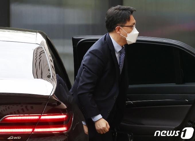 김진욱 공수처 '이성윤 총장카드' 못버리는 여권 눈치보나