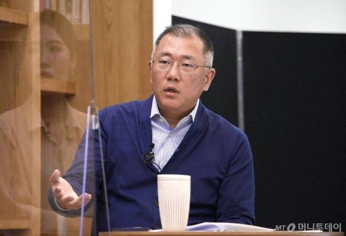 정의선, 현대차그룹 총수에 오르다…21년만의 교체