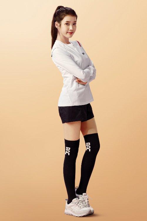 블랙야크 플러스틱 컬렉션_BAC치악3티셔츠 아이유 모델컷