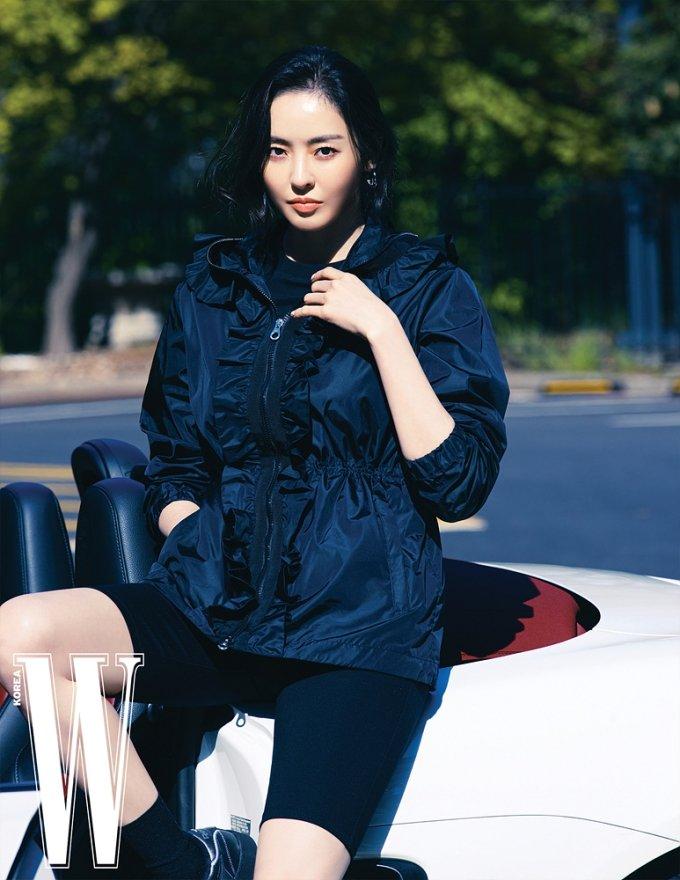 배우 이다희/사진제공=더블유 코리아(W KOREA, 듀베티카(DUVETICA)