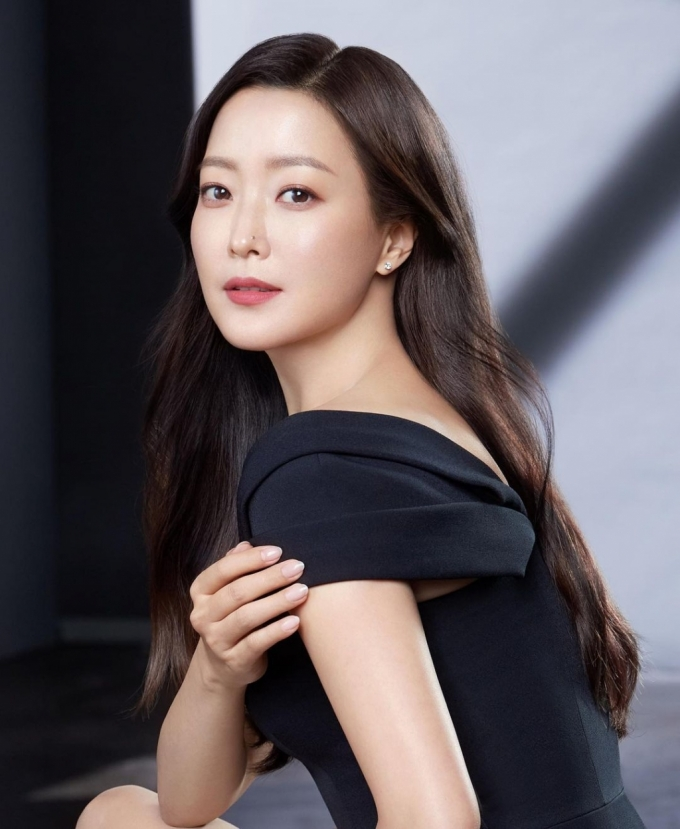 배우 김희선/사진=김희선 인스타그램